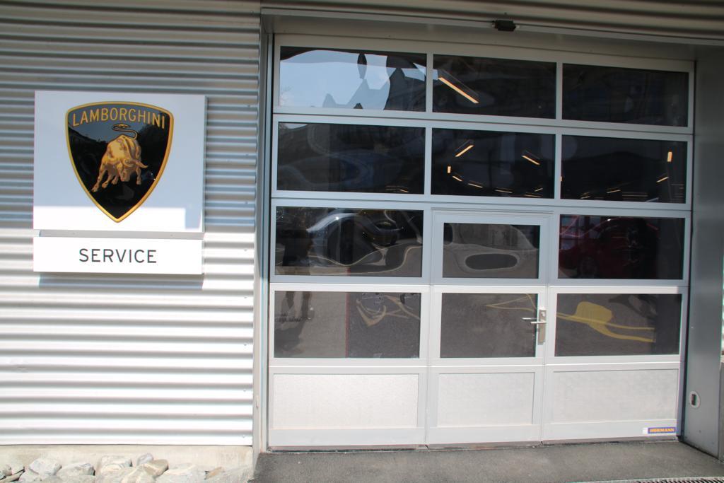 Referenz Elektronische Schliessanlage Schlüsseldienst Zürich Lamborghini Zürich Service
