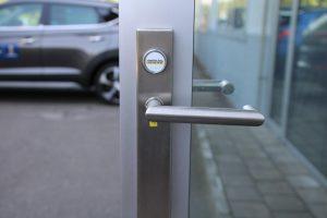 Referenz Elektronische Schliessanlage Schlüsseldienst Zürich Opel Ruckstuhl Kloten 3